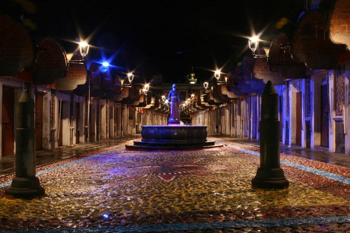 Mercado del Parián de noche