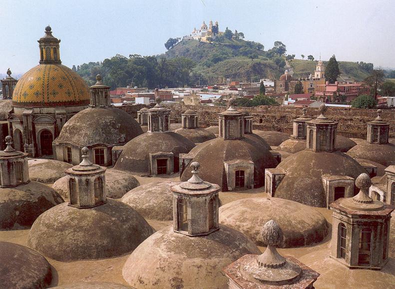 Vista de Cholula desde las cúpulas del Convento de San Gabriel